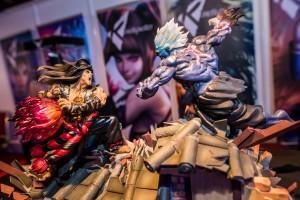 Evil Ryu vs Oni statues