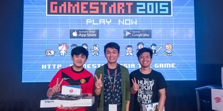 GameStart Game developer Zong Hui 'Sonic' Seow (centre) with winners of the GameStart Game Challenge